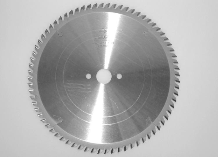 Universal thin kerf circular saw